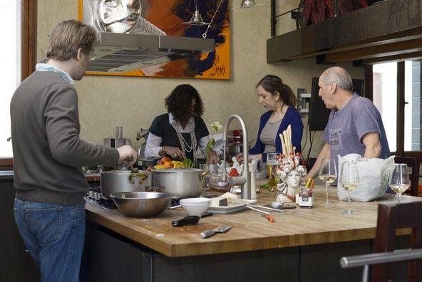 מבשלים במטבח של אנריקה רוקה