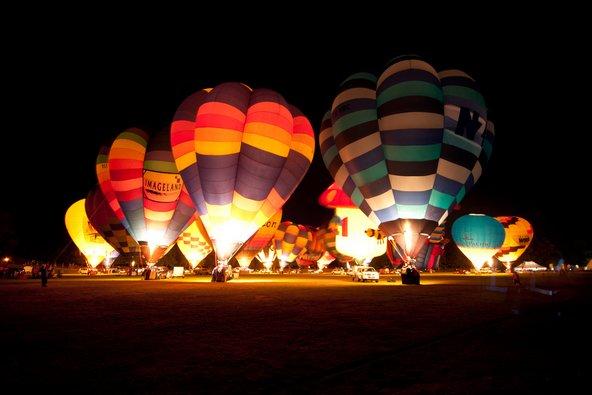פסטיבל הכדורים בפורחים בהמילטון. הכניסה בחינם | צילום: RnDmS / Shutterstock.com