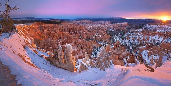 בחורף, כשעמודי הסלע של ברייס קניון מכוסים בשלג המראה מרהיב במיוחד