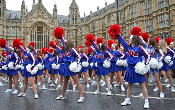 תהלוכת השנה החדשה ברחובות לונדון | צילום: WH CHOW / Shutterstock.com