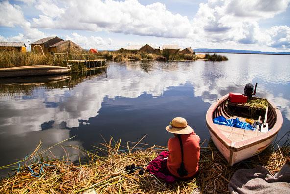 האיים הצפים באגם טיטיקקה שבבוליביה