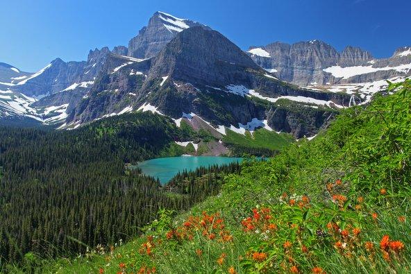 הרים, קרחונים ואגמים בפארק הלאומי גליישר
