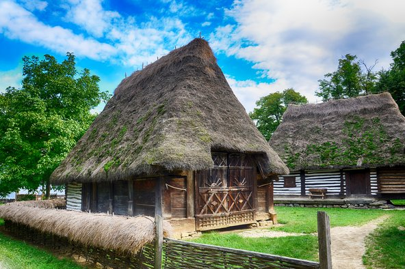 בתי איכרים עתיקים במוזיאון הכפר בבוקרשט