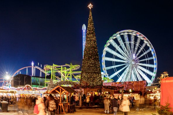 שוק חג המולד, מתקנים וקישוטים ביריד החורף בהייד פארק