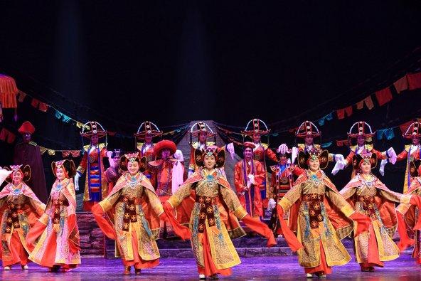 """האופרה הטיבטית. גם הם יופיעו השנה בפסטיבל   צילום: יח""""צ"""