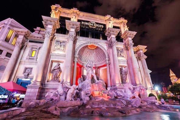 מזרקה בסגנון רומי במלון Caesar's Palace | צילום: Oscity / Shutterstock.com