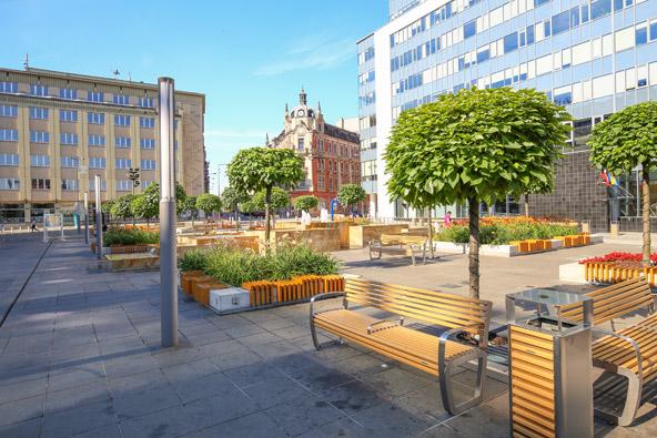 כיכר במרכז קטוביץ. העיר אמנם חסרה את החן הרומנטי של קרקוב, אבל בהחלט יש הרבה מה לעשות כאן