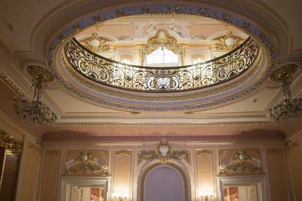 המוזיאון לאמנות של קראיובה שוכן בארמון רב רושם