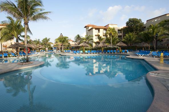 מתחם דירות עם בריכת שחייה ענקית, אופציה מוצלחת למשפחות