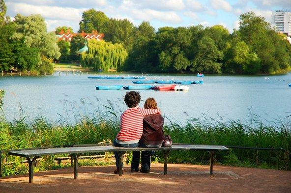 הקיץ הוא זמן נהדר לצאת לפארקים של לונדון