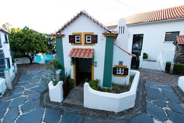 בתים מיניאטוריים בפארק מיני פורטוגל בקוימברה