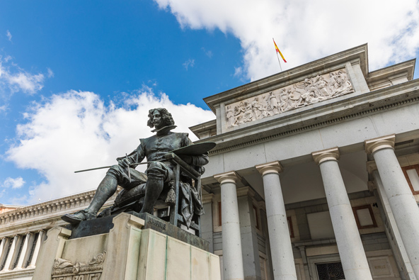הכניסה למוזיאון הפראדו, אחד המוזיאונים החשובים בעולם