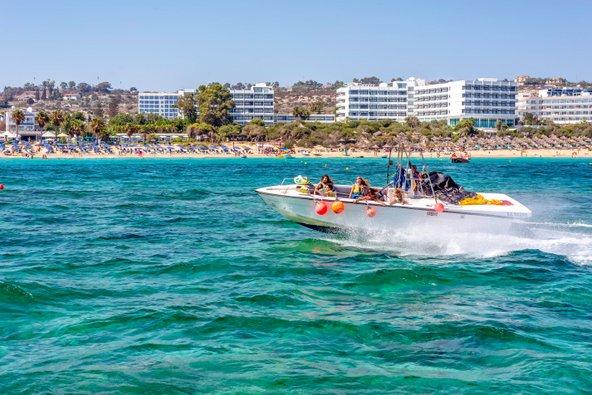 פרוטארס היא מקום נהדר לפעילויות ספורט ימי