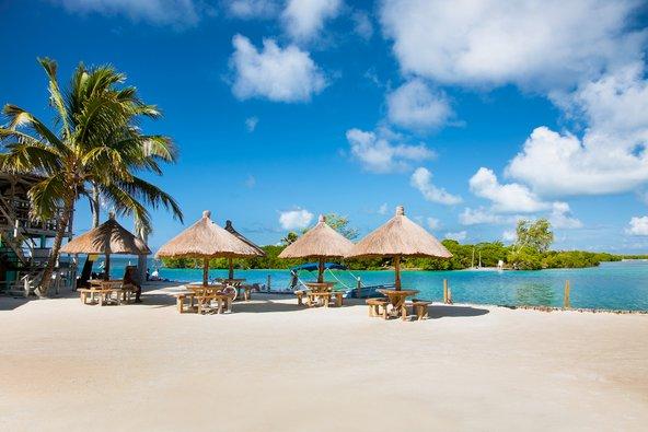 חוף טרופי חלומי ב-Caye Caulker