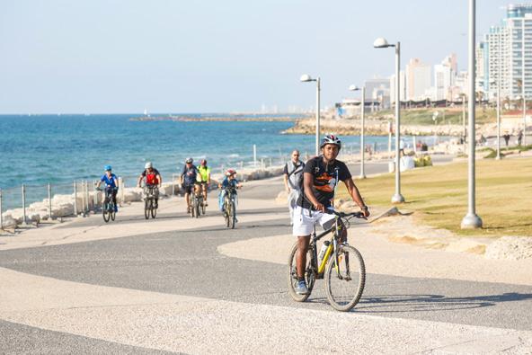 טיול אופניים בתל אביב
