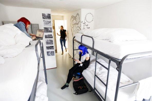 החדרים בהוסטל Cocomama מעוצבים בקפידה
