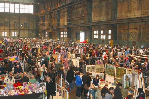 IJhallen, שוק הפשפשים הגדול באמסטרדם   צילום: ingehogenbijl / Shutterstock.com