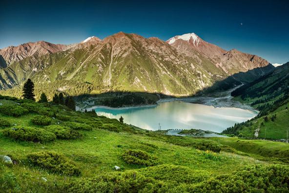 קזחסטן: ביצת הזהב של מרכז אסיה
