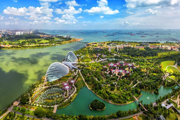 מבט מהאוויר על סינגפור, אי שהוא עיר שהיא למעשה מדינה