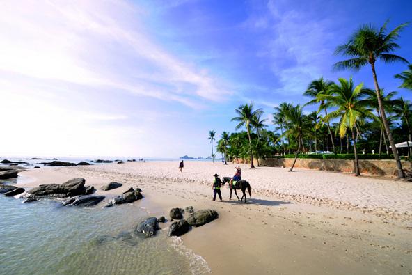 טיול סוסים על חוף בהואה הין