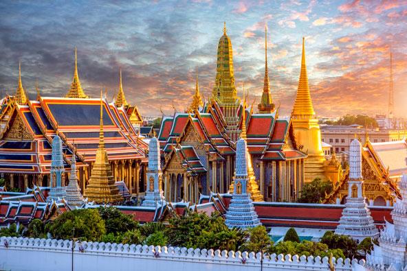 ארמון מלך תאילנד בבנגקוק, בשעת השקיעה