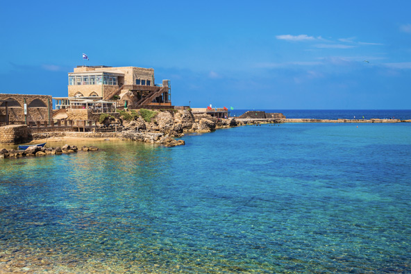 נמל קיסריה משלב באופן מושלם בין ים, עתיקות ומסעדות