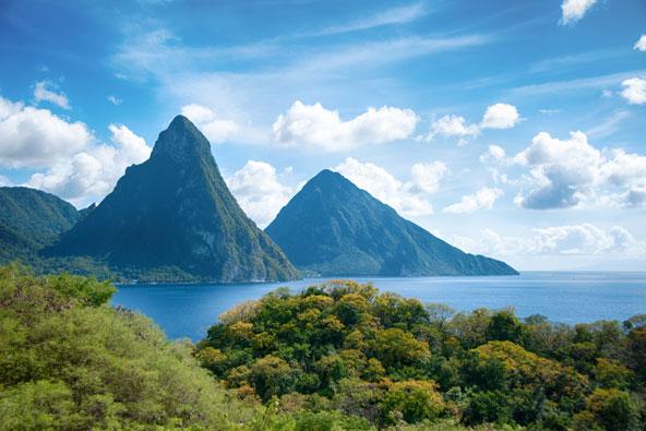 הרי פיטון באי הקריבי סנטה לוסיה