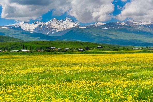 פסגות רכס הארגטס. הנופים בארמניה יעצרו את נשימתכם | הצילום באדיבות MEDRAFT