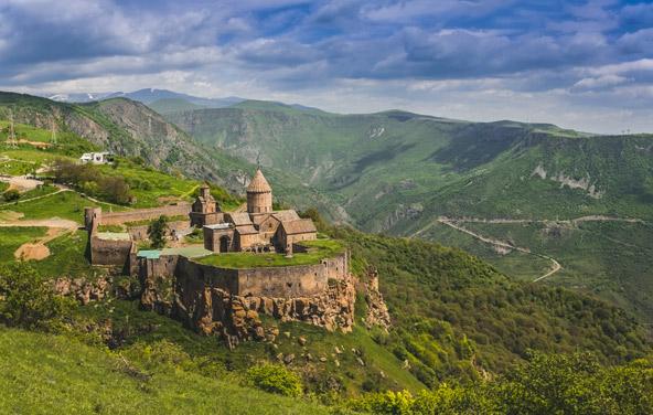 מנזר טאטב מהמאה ה-9. העם הארמני היה הראשון בעולם לאמץ את הנצרות
