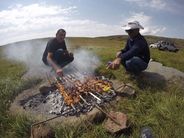 אוכל הוא חלק בלתי נפרד מחוויית הטיול, והאוכל הארמני הנהדר אכן מוסיף לחוויה