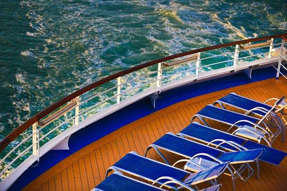 במקום להתלבט בין חופשה ליד הים או טיול עירוני באיטליה או יוון, ההפלגה משלבת בין השניים