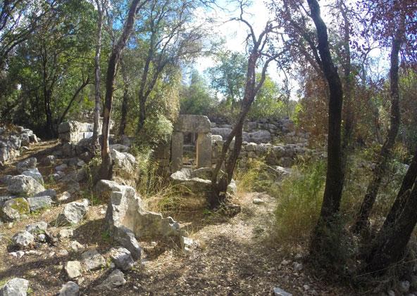 חורבת דנעילה. שרידים של כפר עתיק שתושביו התפרנסו מחקלאות