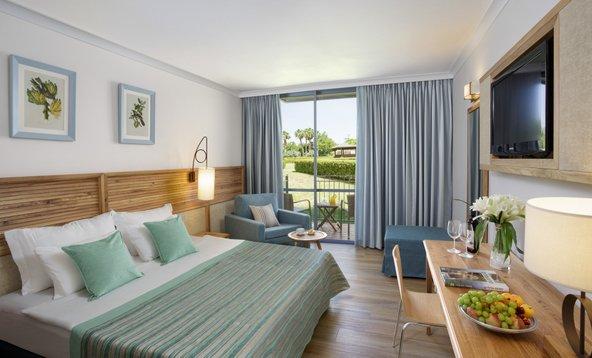 החדרים במלון נוף גינוסר מרווחים ומאובזרים בכל מה שצריך לחופשה מוצלחת