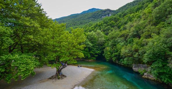 נהר ??. יוון ההררית שופעת מים ולא שלא תגיעו תמיד תגלו אגם, נהר, נחל או מפל