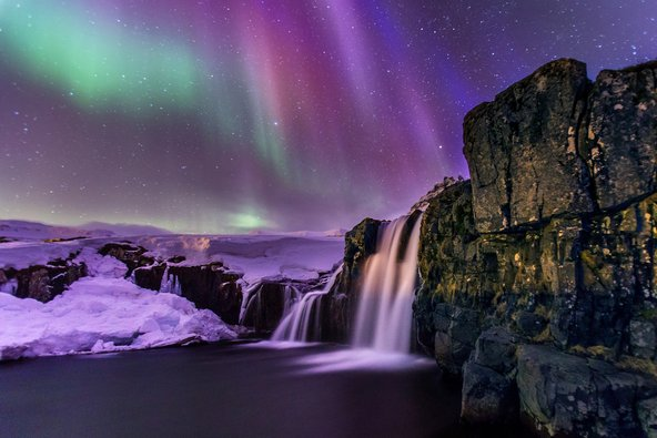 באיסלנד תוכלו להתרגש ביחד מול אורות הצפון ונוף שלא מהעולם הזה