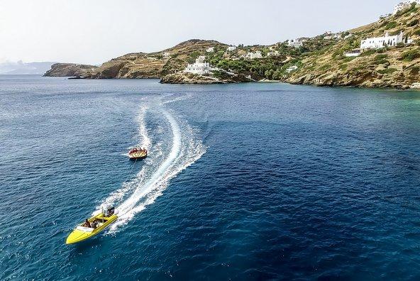 האי איוס הוא גן עדן לאוהבי ספורט ימי | צילום: Ververidis Vasilis / Shutterstock.com