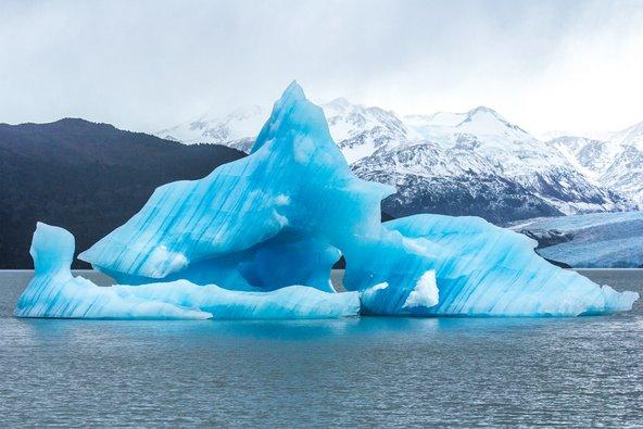 קרחון בלגונה סן רפאל בצ'ילה