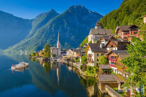 הכפרים הכי יפים באירופה ליד אגמים