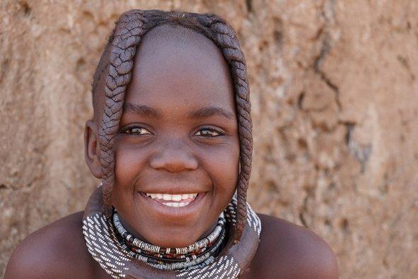 ילדה משבט ההימבה בנמיביה   צילום: Artush / Shutterstock.com