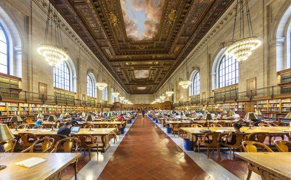 ציורי תקרה של עננים בספרייה הציבורית של ניו יורק | צילום: travelview / Shutterstock.com