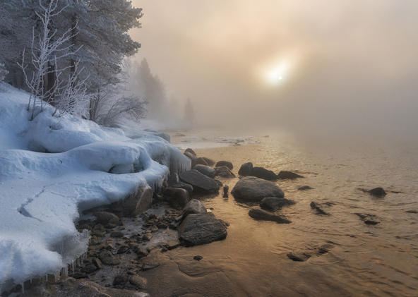 אגם קפוא בשעת צהריים   באדיבות MEDRAFT