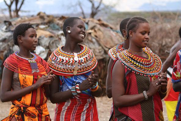 נשים משבט הסמבורו בתלבושת מסורתית