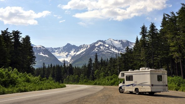 טיול בקרוואן באלסקה הוא אפשרות נהדרת למשפחות