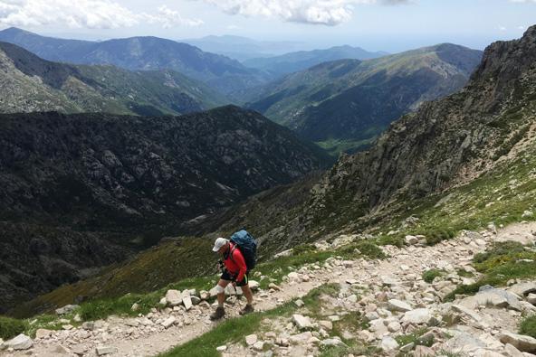 טרק בקורסיקה – מסע רגלי בהרים