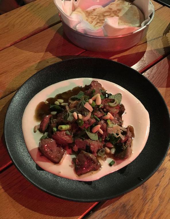 טעים בטירוף, כבדי עוף על טחינה במסעדת רולא