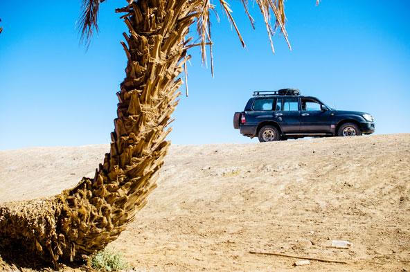 נוף מדברי במרוקו. טיולי הג'יפים באפריקה נערכים על פי רוב במרוקו ובנמיביה