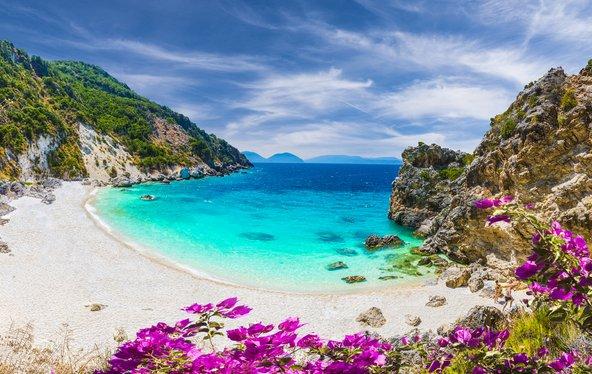 בלפקדה נמצאים כמה מהחופים היפים ביותר ביוון
