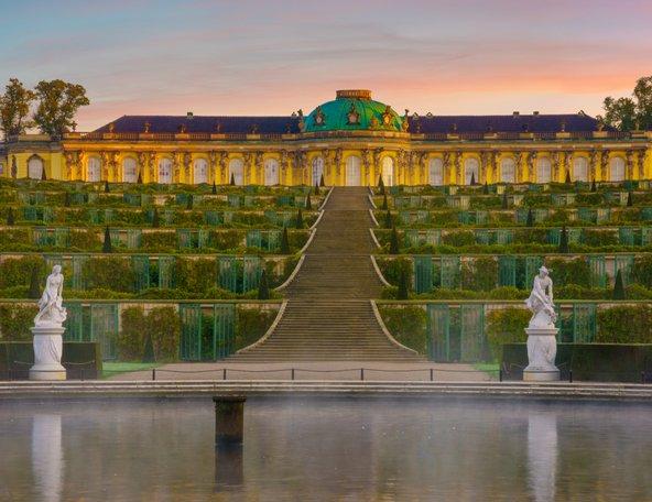 ארמון סנסוסי, התשובה של פרידריך הגדול לוורסאי | צילום: Mike Mareen / Shutterstock.com