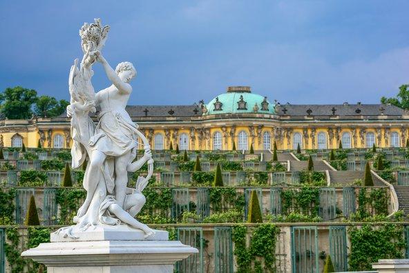 סיור בפוטסדאם: טיול בין ארמונות וגנים
