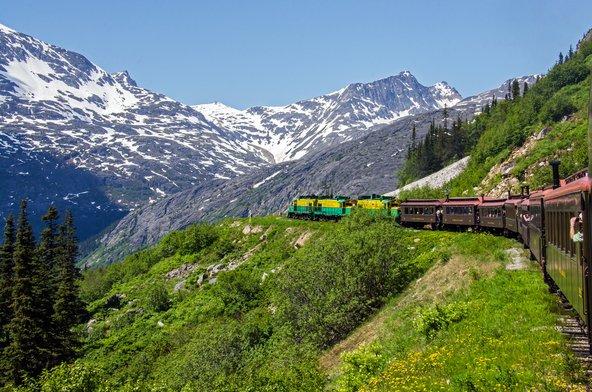 הרכבות באלסקה אמנם איטיות אבל הנופים הנפלאים מפצים על כך
